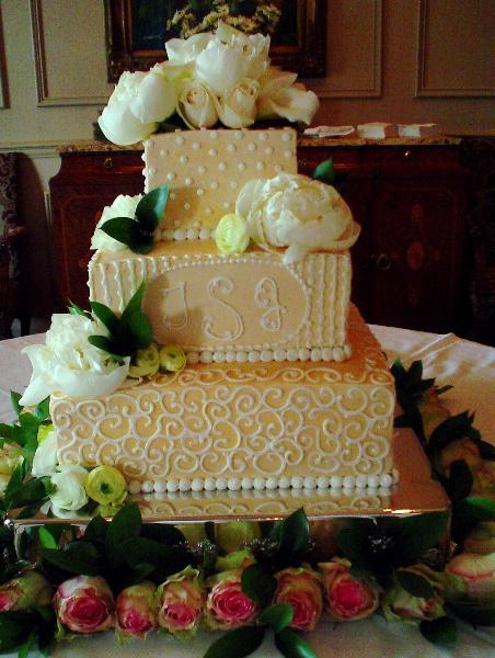 Wedding Cake Gone Wrong