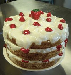 Strawberrycakestand